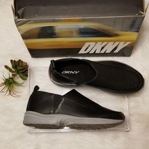 DKNY Rove Slip on Casual Sneaker 90s